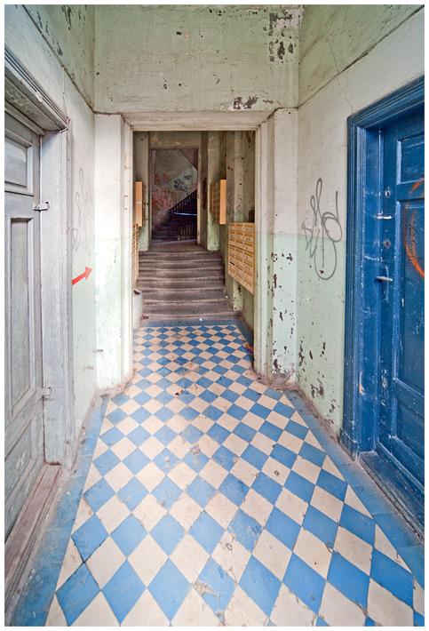 Żelazna 64 - wejście