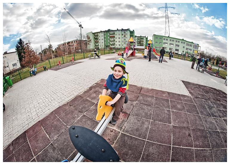 Wojtek na pl. zabaw - fotografia